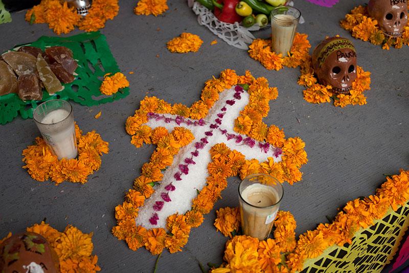 Halloween o Día de Muertos? | Puerto Vallarta Blog