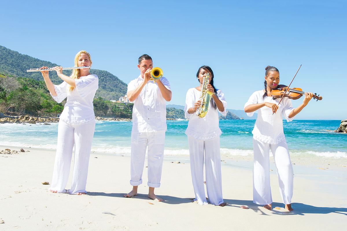 Experimenta la música en vivo en Garza Blanca Preserve de Puerto Vallarta