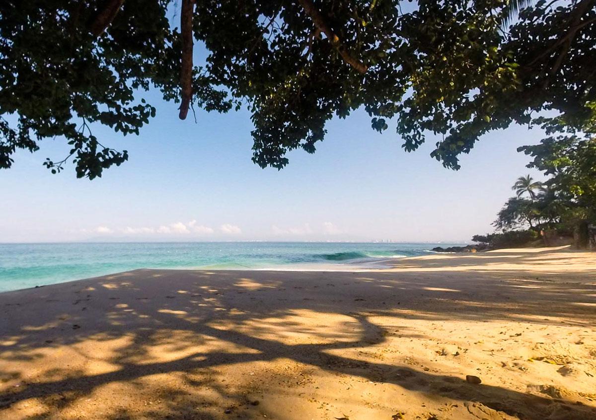 Playa Las Gemelas: a small paradise a few minutes from Garza Blanca