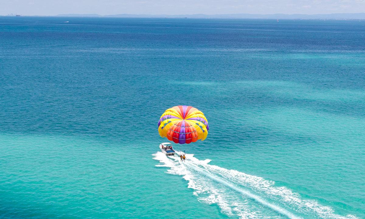 aventura en parasailing