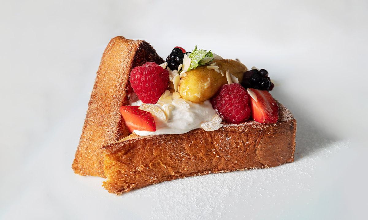 blanca blue breakfast